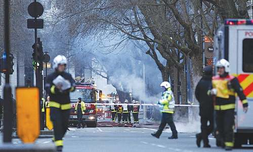 Underground blaze causes chaos in London