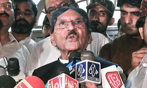 CM blames private lawyers for poor govt defence