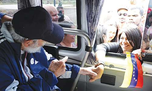 Fidel Castro makes first public appearance in 14 months