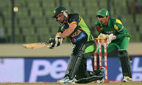 Cricket Classics: Afridi's madness steals the show