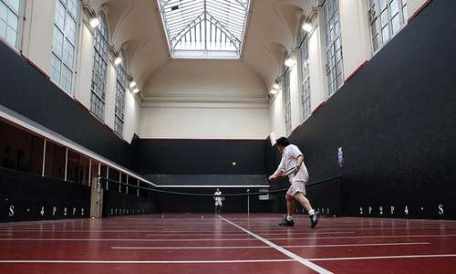 Real tennis: 'Sport of kings' survives the centuries