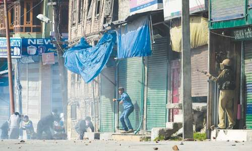 Kashmiris clash with police over arrest of leader