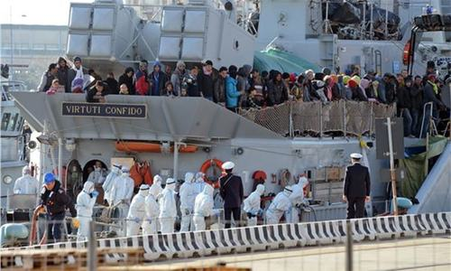 Upto 700 feared dead as migrant boat capsizes off Libyan coast