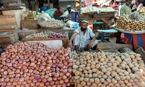 Onion rises as potato prices touch record low