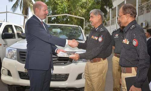 US officials hand over four pick-ups to Sindh police