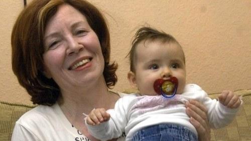 65 سالہ جرمن دادی نے چار بچوں کو جنم دے دیا