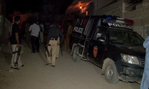 Suicide bomber blows himself up during Rangers operation in Karachi