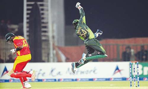 Pakistan beat Zimbabwe in high-scoring encounter