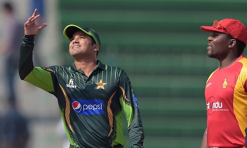 Pakistan win toss, elect to bowl first against Zimbabwe