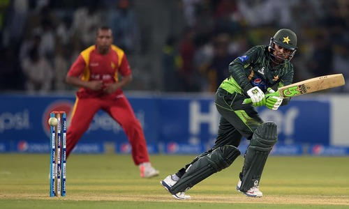Malik, Sohail pace up Pakistan to series win