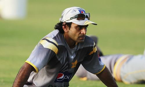 Hafeez's bowling plans in disarray after being denied Indian visa