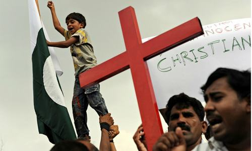 Pakistani police save Christian couple from 'blasphemy' mob