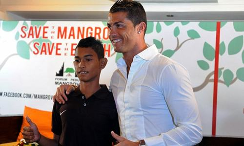 Miracle tsunami survivor joins Ronaldo's former club