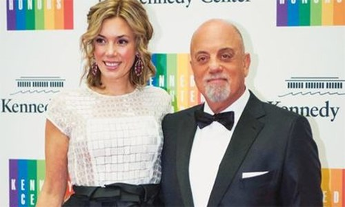 Billy Joel marries longtime girlfriend