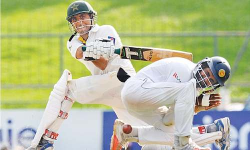 Younis, Masood keep Pakistan in hunt for landmark victory