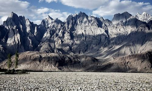 how to become a mountaineer in pakistan