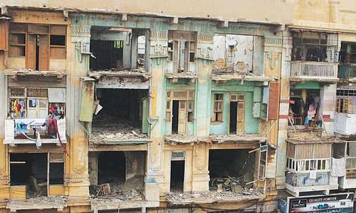 Residents told to immediately vacate 288 'dangerous' buildings in city