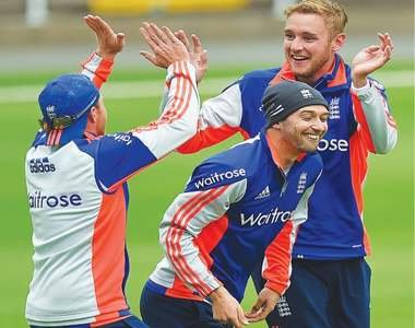 England seek special crowd to bounce back in third Test