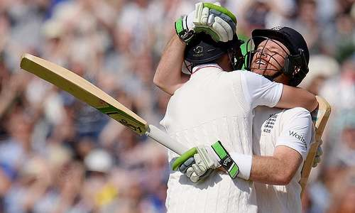 Comprehensive win gives England 2-1 Ashes lead