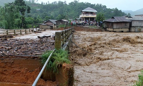 21 feared dead in Manipur mudslide