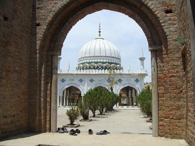 سنگنی قلعہ: سابق جیل، موجودہ مزار