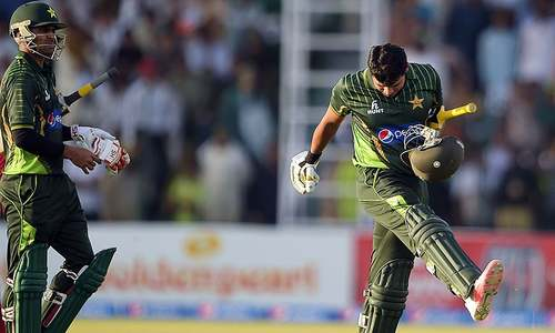 Pakistan's woes: Barren pitches, split seams and shoddy kit deals