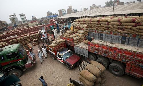 Key Pakistani-Afghan trade deals stall on India, souring ties