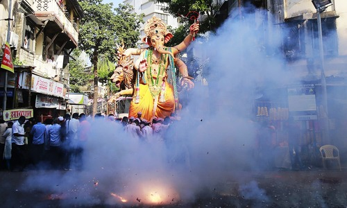 Indian Hindus send deity Ganesha off in style