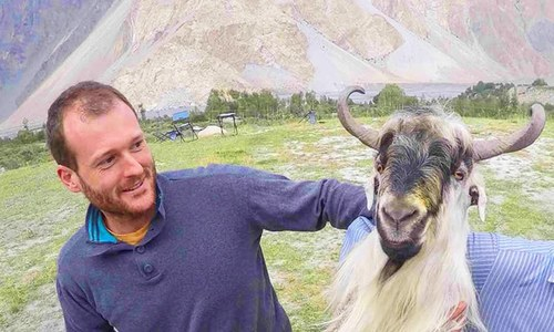 Goats, guns and generosity: How Pakistan stole an Aussie's heart