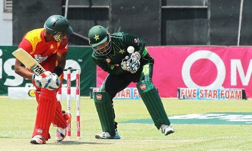 3rd ODI: Asif takes five to leave Zimbabwe reeling