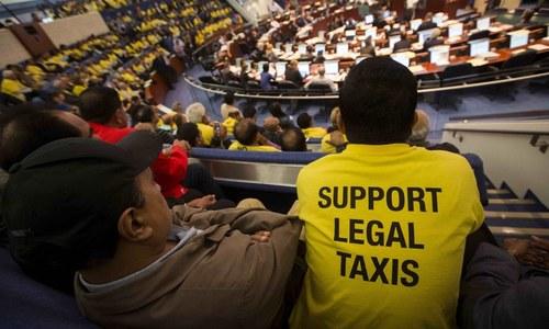 Embattled Uber faces global crackdown