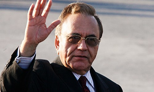 Actor Dilip Kumar intervened to defuse Kargil crisis: Kasuri