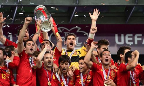 Unconvincing Spain look to seal Euro 2016 slot