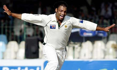 Cricket Classics: Shoaib Akhtar inflicts slow death on England