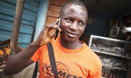Mobile phones 'transforming' Africa