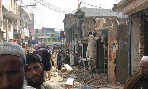 Traders pull down encroachments voluntarily