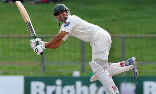 Younis breaks Miandad's record to become Pakistan's highest run-scorer