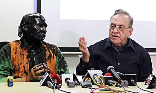Kulkarni worse than Kasab, says Shiv Sena