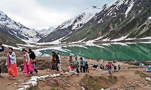 Kaghan glacier break-off: One miner dead, nine others injured