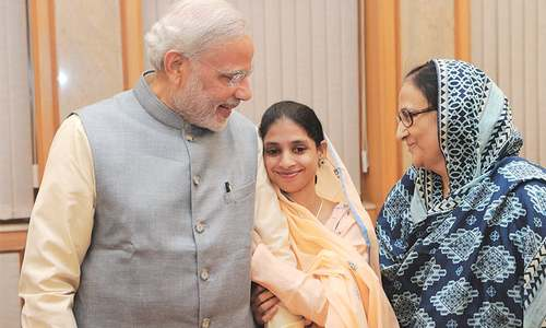 Geeta returns home, but fails to find family