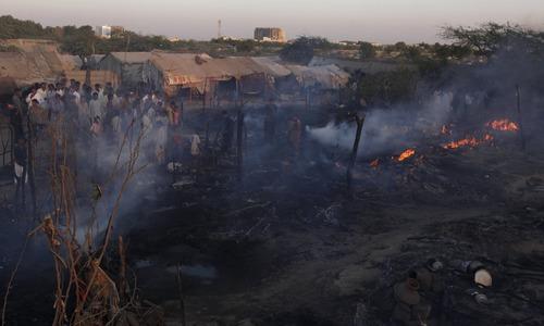 Fire at Karachi slums kills five