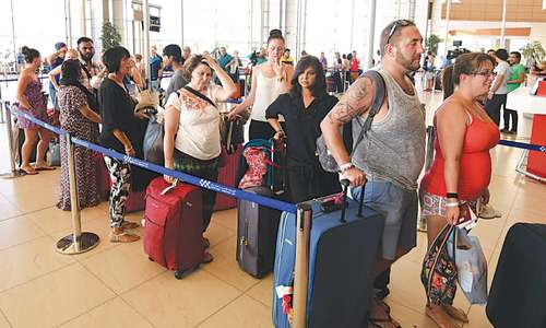 Thousands of more tourists fly home from Egypt