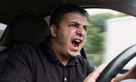 5 reasons driving in Karachi is an extreme sport
