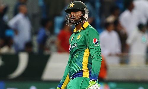 Rafatullah in, Malik out as England bat in first Twenty20