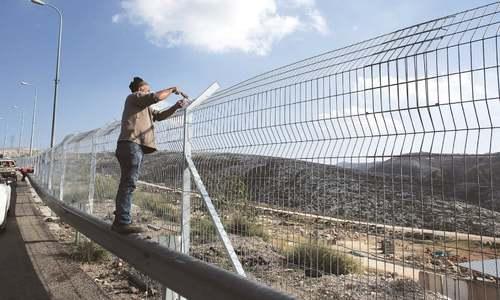 Palestinian shot dead by Israeli police