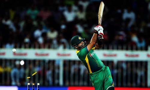 3rd T20: Pakistan in tatters chasing 155