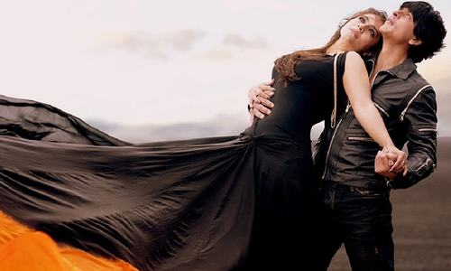 Adorable again — Shah Rukh and Kajol look amazing in Gerua's 'making of' video