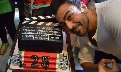 فلم کی شوٹنگ کا آغاز کرنے سے پہلے خوشی منانے کا انداز