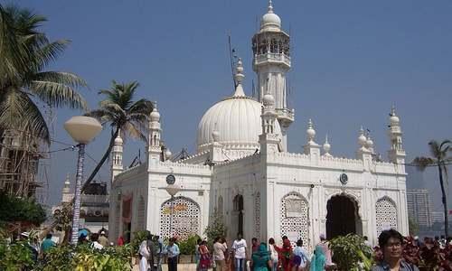 Indian women in battle against Mumbai Haji Ali dargah ban