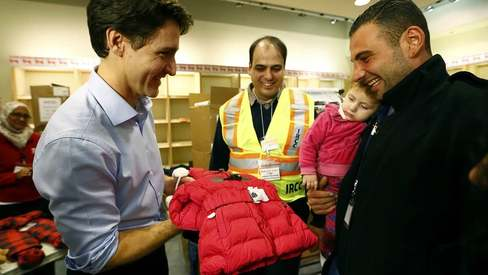 Justin Trudeau wins hearts (again) by welcoming Syrian Refugees at the airport